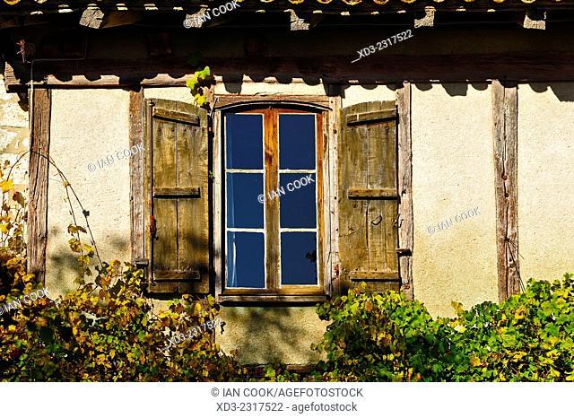 window with shutters, Pujols, Lot-et-Garonne Department, Aquitaine, France
