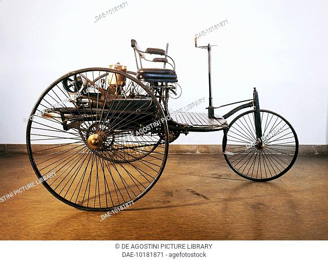 The first automobile powered by an internal combustion engine, 1885, built by Karl Benz (1844-1929) in Karlsruhe. Germany, 19th century