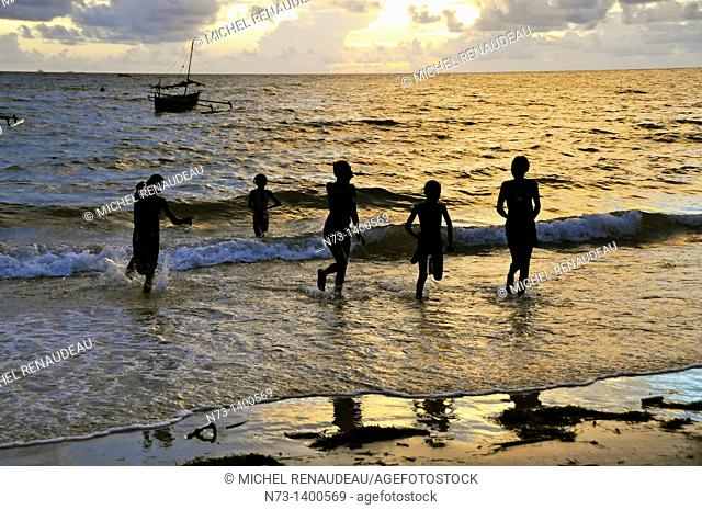 Africa, Madagascar, Nosy Be, the evening at the seaside