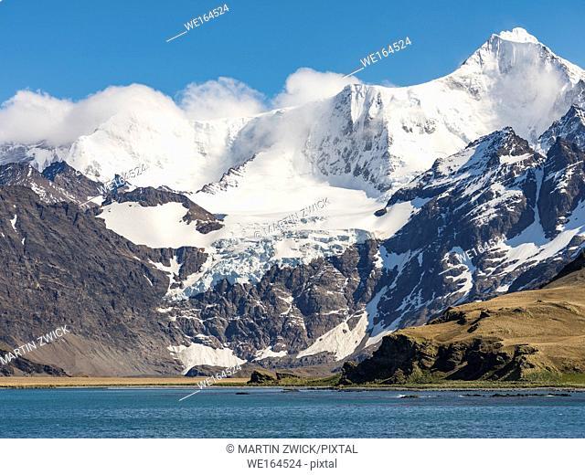 Cumberland East Bay and the mountains of the Allardyce Range. Mount Sugartop. Antarctica, Subantarctica, South Georgia, October
