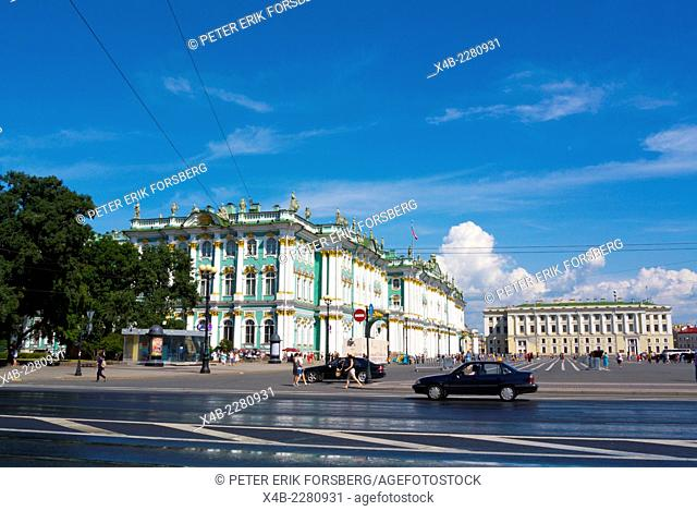 Traffic gong past Winter Palace (1764), housing the Hermitage, Palace square, central Saint Petersburg, Russia, Europe