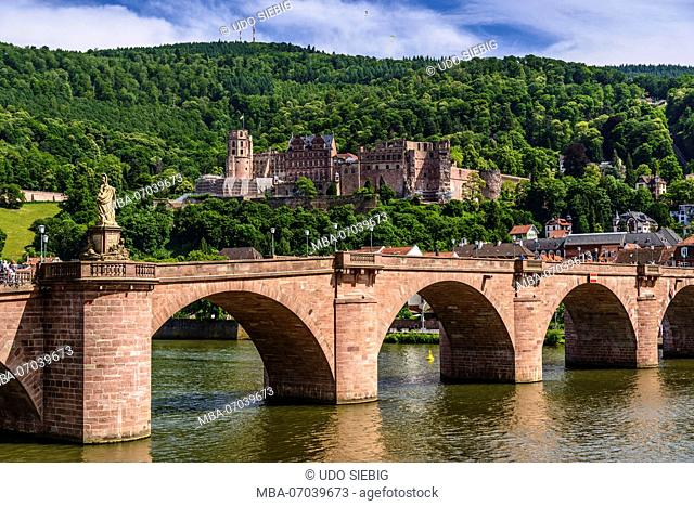 Germany, Baden-Wuerttemberg, Odenwald, Heidelberg, Old Town, Old Bridge and Castle