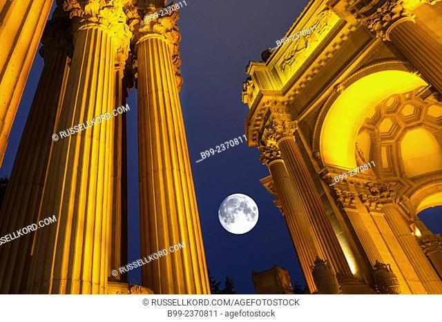 Rotunda Palace Of Fine Arts Marina District San Francisco California Usa