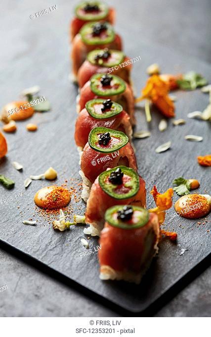 Sushi with tuna, chili and caviar