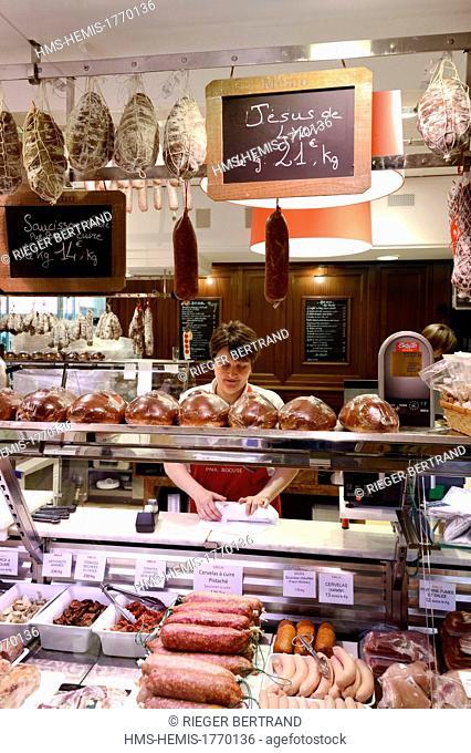 France, Rhone, Lyon, cours Lafayette, les Halles Paul Bocuse (Paul Bocuse covered market), Sibilia charcuterie (pork butcher's shop and delicatessen), saucisson