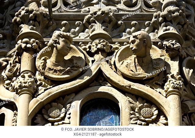Detail of the facade - Casa Navas - Modernism - Reus - Tarragona province - Catalonia - Spain - Europe