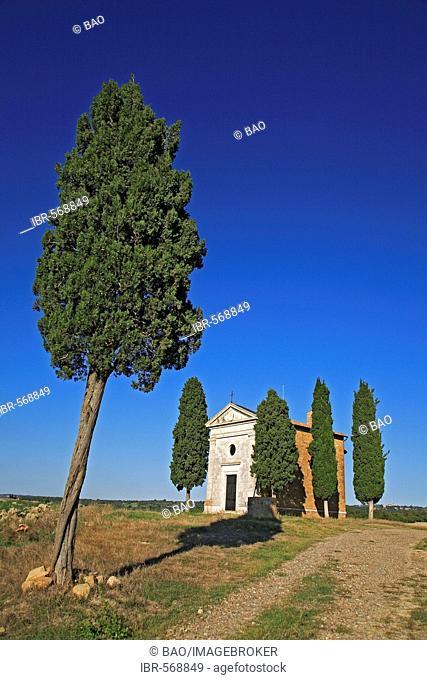 Chapel di Vitaleta near San Quirico d'Orcia, Crete, Tuscany, Italy