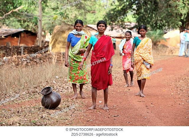 Tribal women, Dhurwa Tribe, Gonchapar Village, Chattisgarh, India