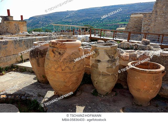 Crete, Knossos, palace complex of the Minoer, part of the complex, amphoras