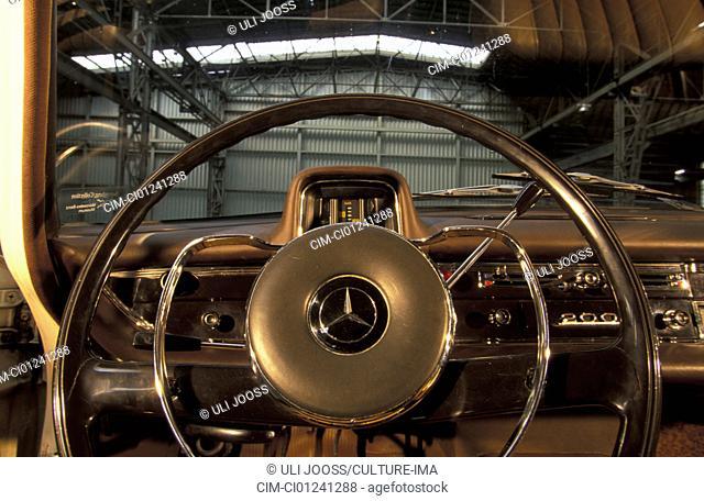 Car, Mercedes Benz 200 tailfin, tail fin, sedan, vintage car, white, model range 1961-1968, model year 1966, 1960s, sixties, detail, details, interior, Cockpit