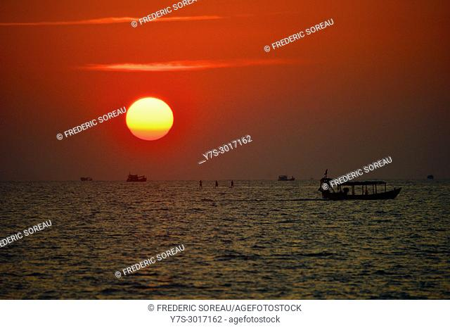 Sunset with fishing boat, Sihanoukville, Cambodia, South East Asia, Asia
