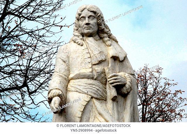 Statue Pierre Paul Riquet, architecte du Canal du Midi, fermier général et entrepreneur, 81, Tarn, general farmer