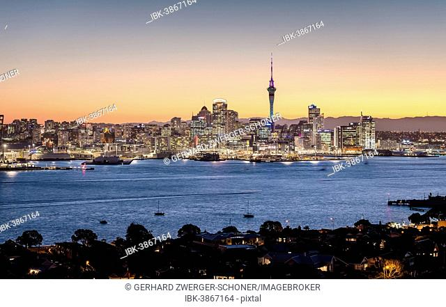 Skyline of Auckland with the Sky Tower at dusk, Auckland, North Island, New Zealand