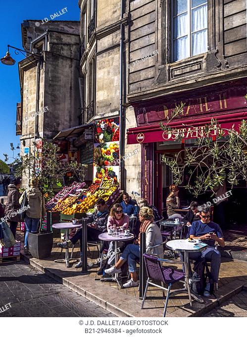 France, Nouvelle Aquitaine, Gironde. street life, Saint Michel area, at Bordeaux