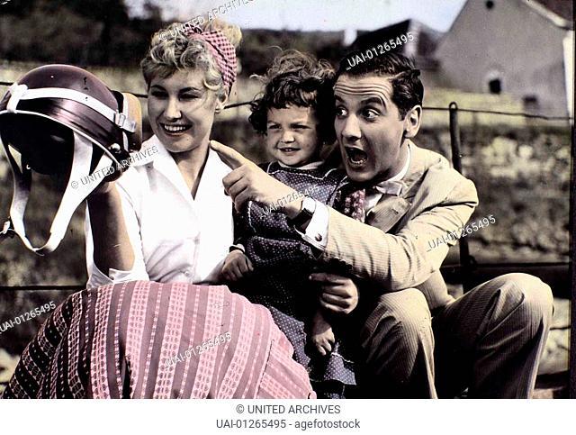Dort In Der Wachau, Dort In Der Wachau, Dort In Der Wachau, Dort In Der Wachau, Lotte Ledl (l.), Boy Gobert *** Local Caption *** 1957