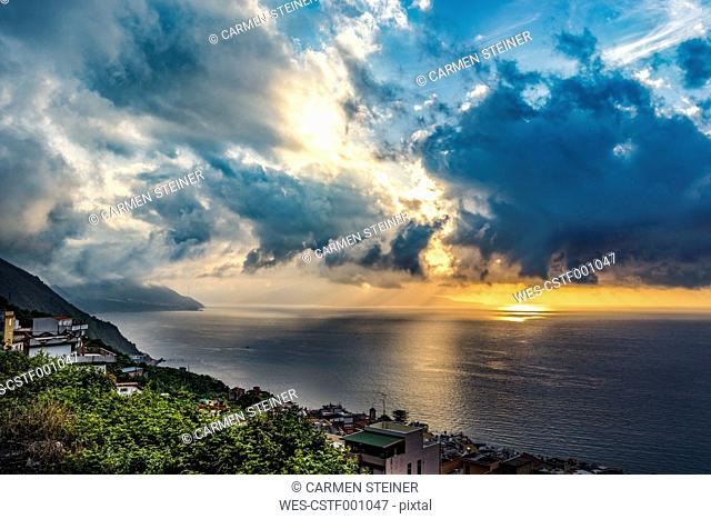 Italy, Calabria, clouds over Tyrrhenian Sea, rain clouds