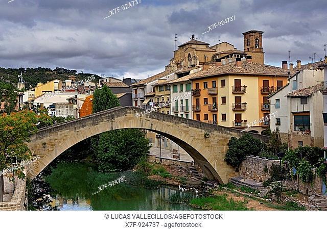 San Miguel church with bridge ` Puente de la Carcel'  Estella  Navarra Spain  Camino de Santiago