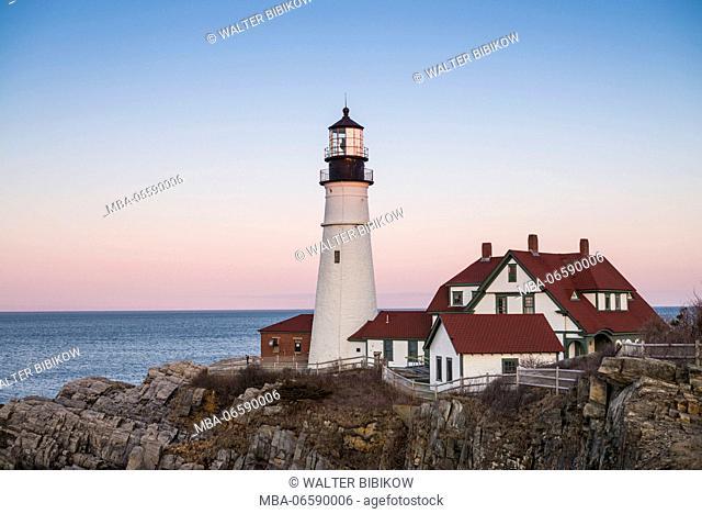 USA, Maine, Portland, Cape Elizabeth, Portland Head Light, lighthouse, dusk