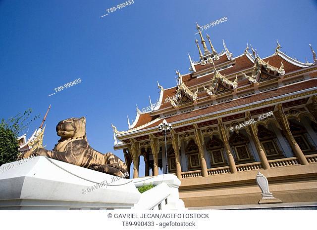 Sang Arun Buddhist temple architecture