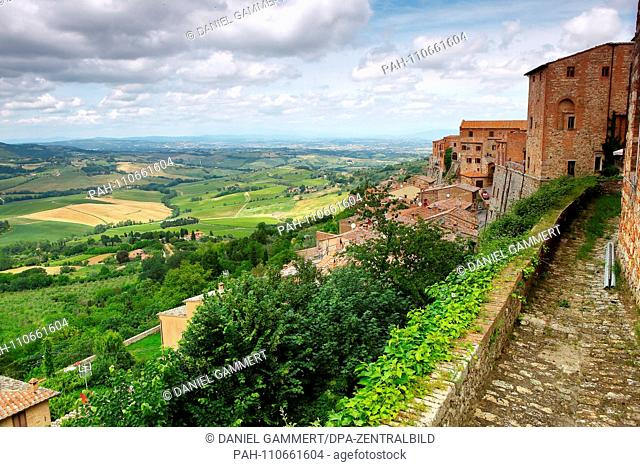 View of Tuscany from Montepulciano, viewpoint at Via di S. Donato, 6 (A viewing platform behind the town hall)   usage worldwide