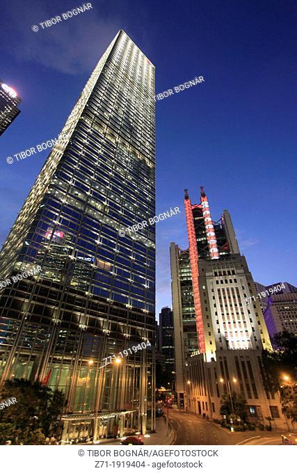 China, Hong Kong, Central district at night, Cheung Kong Centre, HSBC Bank