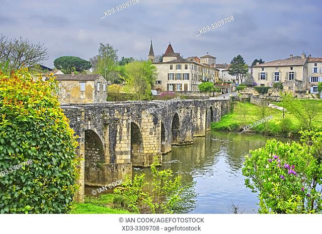 Roman bridge at Lavardac, Lot-et-Garonne Department, Nouvelle Aquitaine, France