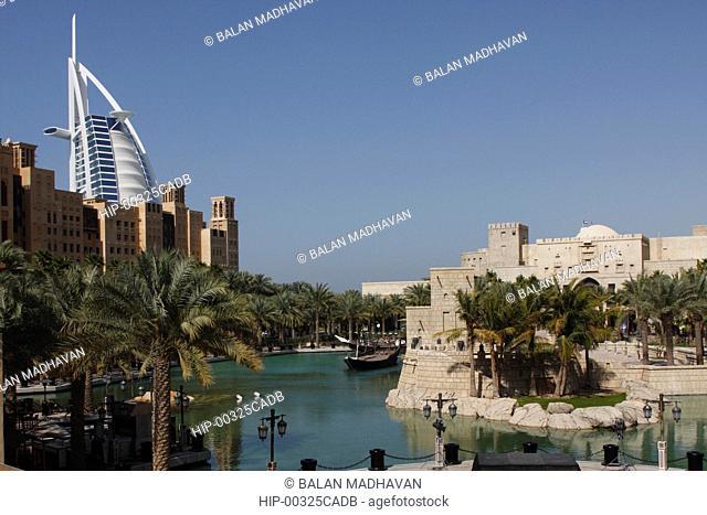 BURJ AL ARAB HOTEL AND TRADITIONAL ARAB BUILDINGS, DUBAI,UAE