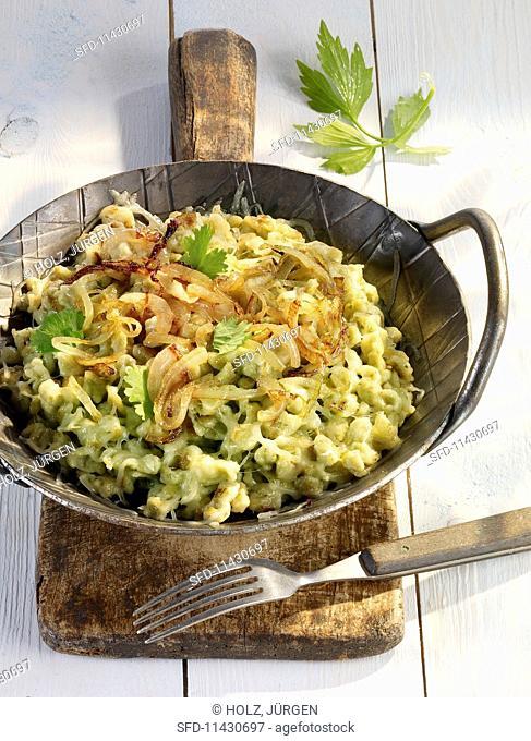 Wild garlic Spätzle (soft egg noodles from Swabia) with onions