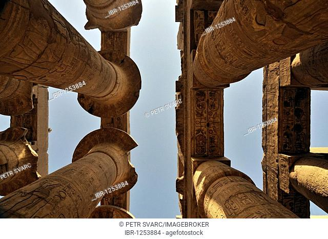 Colossal papyrus columns of Great Hypostyle Hall, precinct of Amun-Re, Karnak temple complex near Luxor, Egypt, North Africa