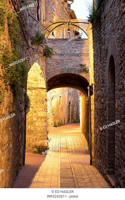 Dawn view of streets in San Gimignano, UNESCO World Heritage Site, Tuscany, Italy, Europe