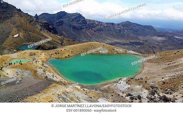 Tongariro Crosing Green Lake and Tourists