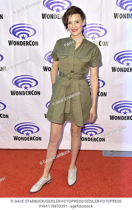 Maggie Grace at the Photocall for the AMC TV series 'Fear the Walking Dead' at WonderCon 2019 at the Anaheim Convention Center. Anaheim, 31.03