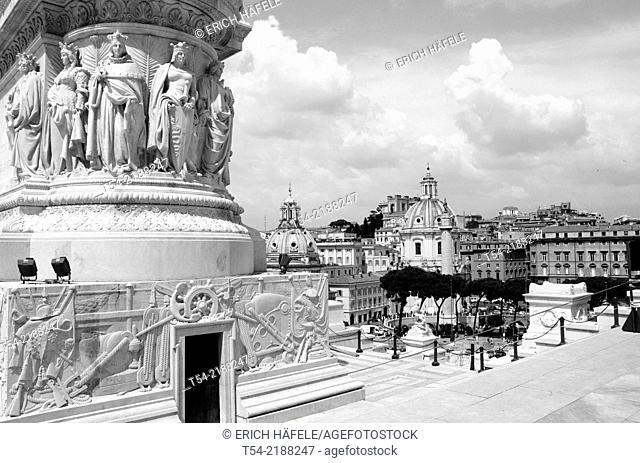 View from Monumento Vittorio Emanuel to the Roman Forum