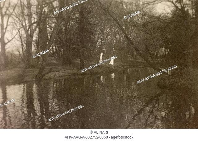 Album of the First World War in Friuli-Venezia Giulia: two Red Cross nurses in the woods, shot 02/1916