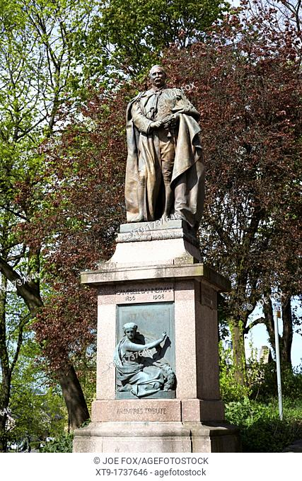 statue of sir henry campbell-bannerman liberal mp and prime minister stirling scotland uk