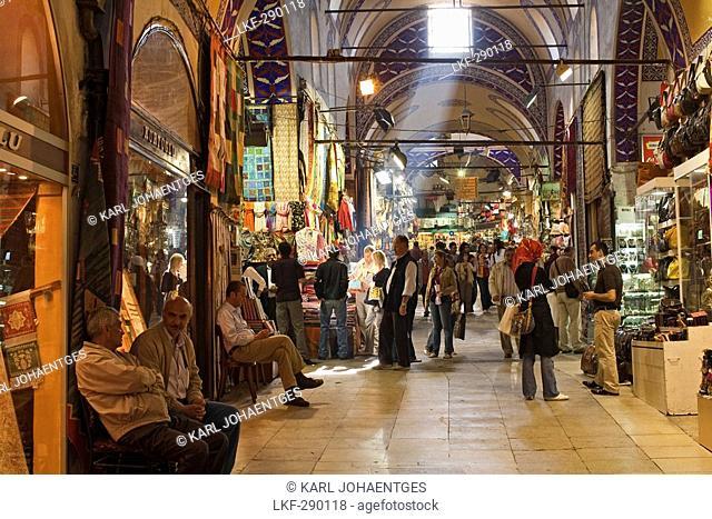 covered market the Grand Bazaar, Istanbul, Turkey
