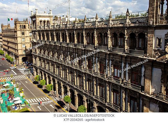 In background Government Building of Mexico City and Old City Hall at right , Plaza de la Constitución,El Zocalo, Zocalo Square, Mexico City, Mexico