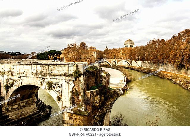 Ponte Rotto (Broken Bridge), originally named Ponte Emilio (Emilio Bridge), viewed from Palatino Bridge (Ponte Palatino)
