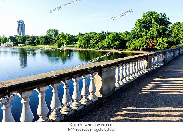 England, London, Kensington, Hyde Park, The Serpentine Bridge and The Serpentine