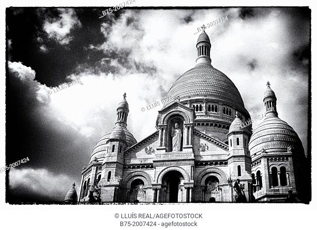 Basilica of the Sacre Coeur, Montmartre, Paris, France, Europe, inspired by Roman and Byzantine architecture