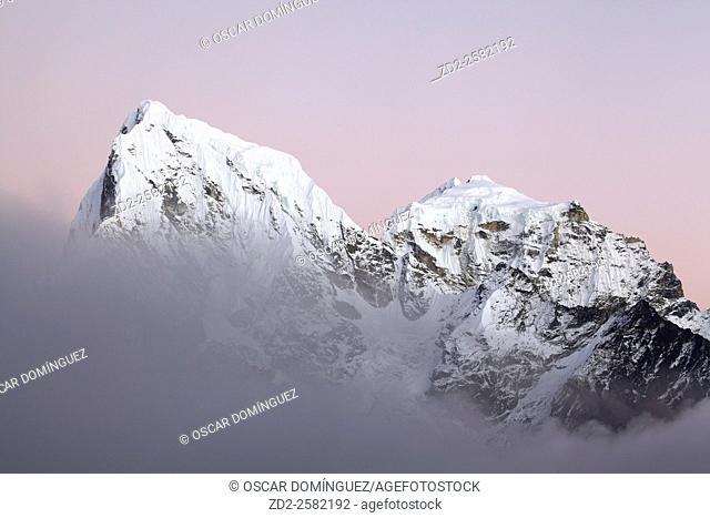 Cholatse and Tawoche peaks at twilight. Sagarmatha National Park. Solukhumbu District. Nepal
