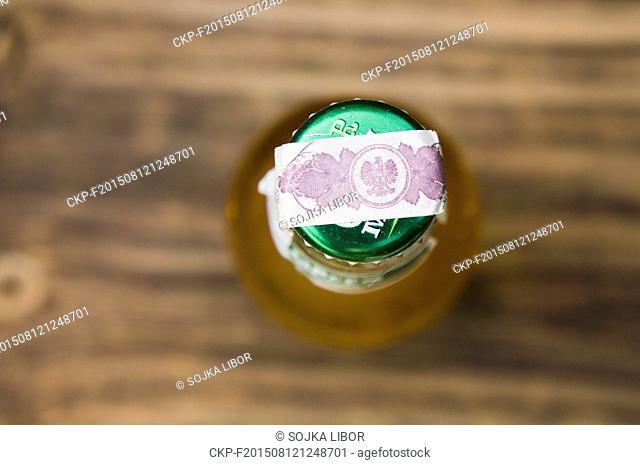 CYDR GREEN MILL, cider, bottle, revenue stamp of Poland (CTK Photo/Libor Sojka)