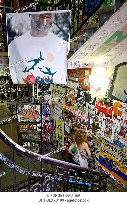 TACHELES, FORMER SQUAT, STANDARD-BEARER FOR THE POLTICO-ARTISTIC UNDERGROUND IN THE 1990S. THIS STORE FROM THE 1920S, 'SQUATTED' BY THIRTY-ODD ALTERNATIVE ART...