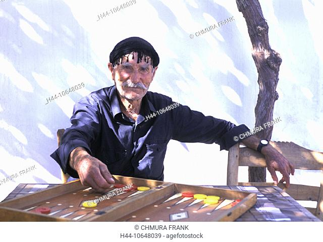 10648039, outside, backgammon, parlor game, Greece, headgear, Crete, man, , portrait, Sariki, senior citizen, pl