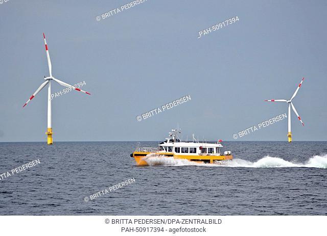 A work ship in Baltic 1 Offshore Wind Farm off the coast of Mecklenburg-Western Pomerania, Germany, 05August 2014. Photo:BRITTAPEDERSEN/dpa | usage worldwide