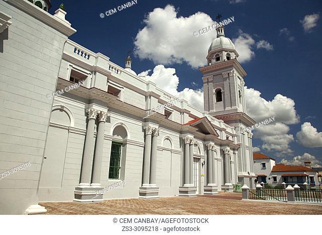 View to the Cathedral-Santa Basilica Metropolitana Iglesia Catedral near Parque Cespedes at the historic center, Santiago de Cuba, Cuba, West Indies