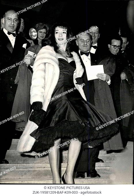 Dec. 09, 1958 - Premier of the French Film 'Les Racines Du Ciel' yesterday in Paris.: A gala was given at the Palais de Chaillot in Paris yesterday evening for...