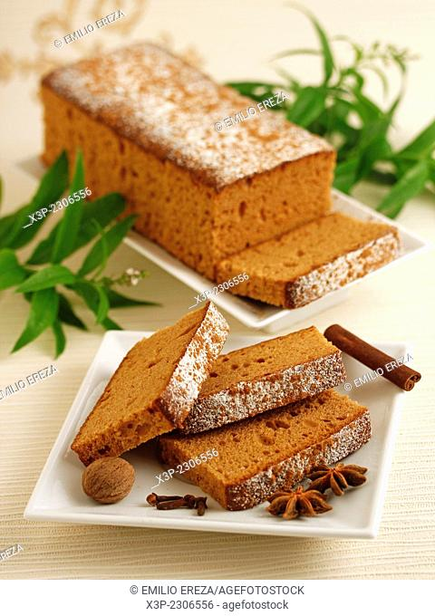 Sponge cake with spices and honey