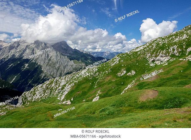 Frauenalpl, view at Zugspitzplatt and Blassenkamm and Alpspitze in clouds, Wetterstein Range
