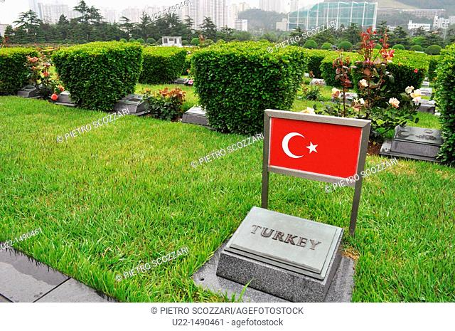 Busan (South Korea): graves of Turkish soldiers fallen during the Korean War at the UN Memorial Cemetery